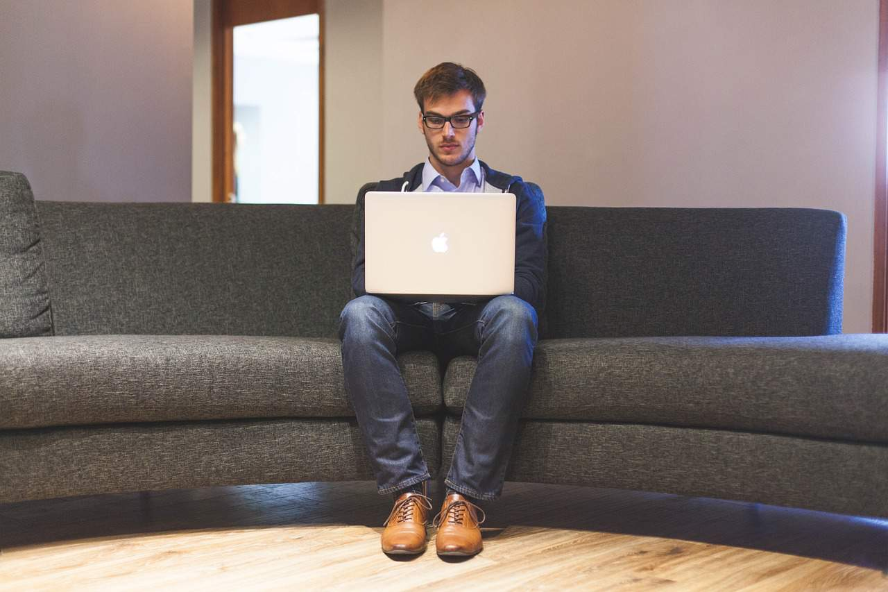 איך לבנות אתר לניקוי ספות בצורה הכי ממירה ונכונה
